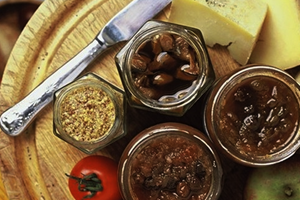 CHUTNEY, PICKLES, PASTES AND SAUCES